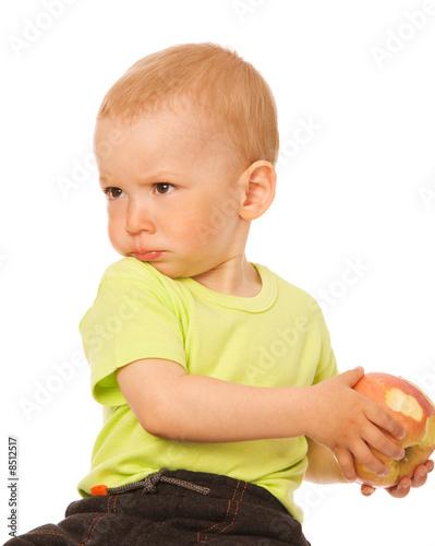 Почему дети жадные
