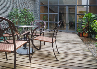 House patio with chairs and tabel