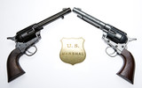 Revolvery a odznak