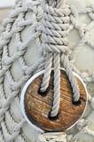 Vecchio bozzello su barca a vela poster