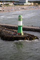 Leuchtturm auf der Mole von Warnemünde