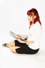 Zeitschrift lesende
