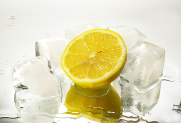 Lemon and cristal cube of ice