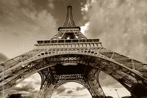 Torre eiffel en blanco y negro, Paris (France)