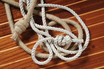 Ropes with knots on their ends