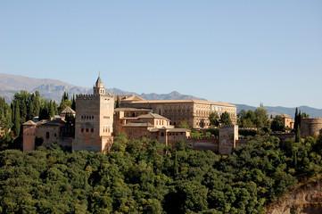 Alhambra de Grenade parmi la Sierra Nevada