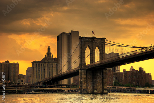brooklyn bridge sunset - 9051147