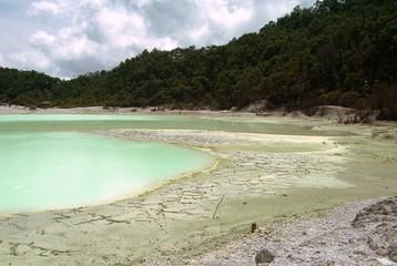 lac desséché en Indonésie
