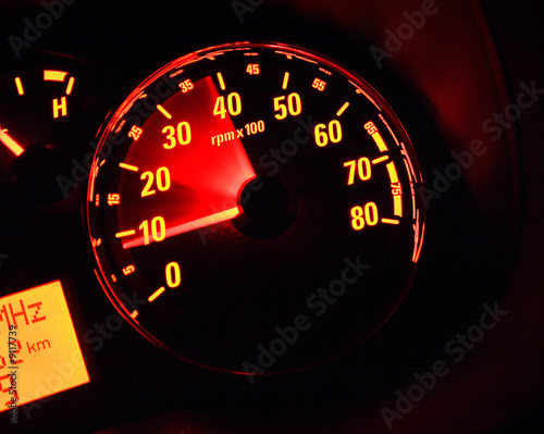 Illuminate tachometer at 4000 RPM with blurry needle.