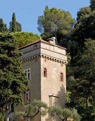 villa torre medievale