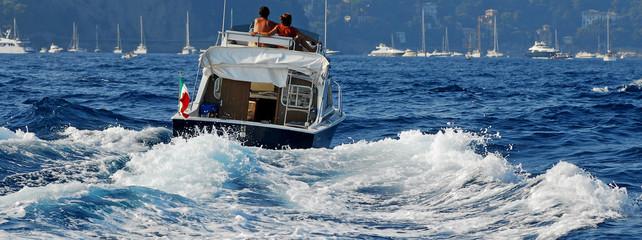 motoscafo cabinato costiero