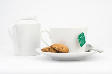 taza blanca aislada sobre fondo blanco