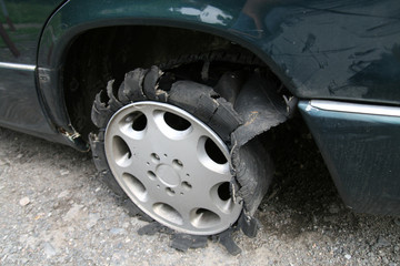 destruction tyre car
