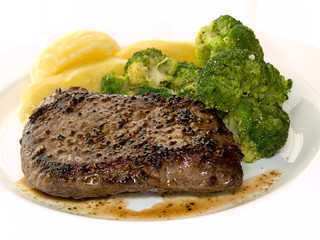 steak with broccoli