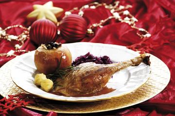 Gänsebraten mit Beilagen, Weihnachten, Dekoration