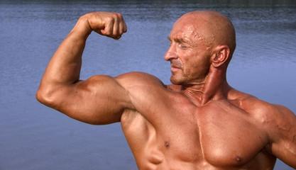 biceps pose
