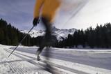 Klassisch Langlaufen - Sport mit Dynamik poster