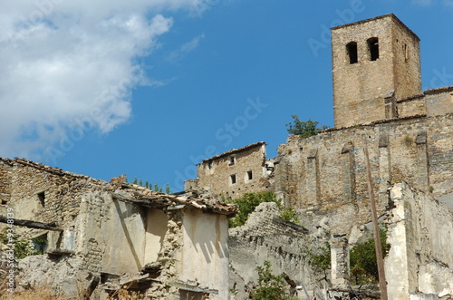 Village abandonn de pardoux pascal photo libre de droits 9348139 sur fotol - Achat village abandonne ...