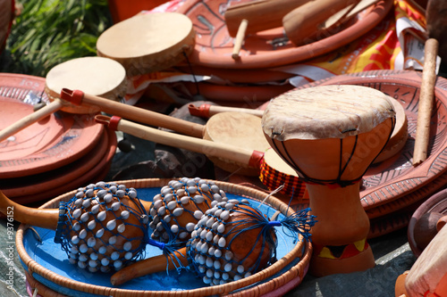 Leinwanddruck Bild Drums, maraca and other percussion. Group of object