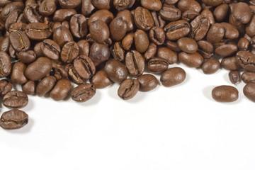 mezza pagina con chicchi di caffé