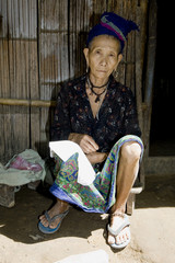 Alte Hmong Frau in Laos