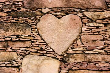 Coeur de pierre. Herz aus stein. Heart of stone. Corazon.