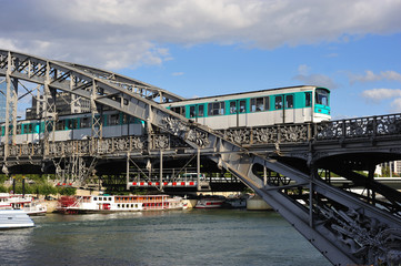 France, Paris:Modern railway bridge