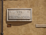 strassen von rom, italien, via di propaganda poster