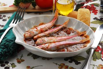 Triglie alla livornese - Secondi di pesce Toscana