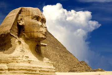 The Sphinx and the Great Pyramid, Egypt.