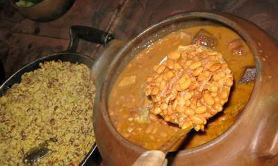 Haricots en sauce et tapioca (manioc).