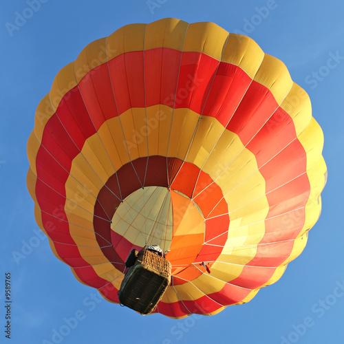 Foto op Plexiglas Ballon Ballon rouge et jaune