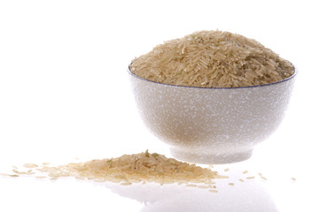 Isolated mage of brown rice in a bowl.