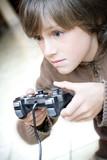dépendance jeu vidéo enfant garçon addiction tv console joystick poster