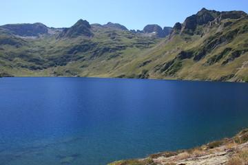 Le lac bleu en Bigorre (Hautes-Pyrénées)
