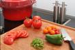 Préparation de légumes frais sur une planche en bois #2