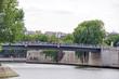 Pont sur la Seine, Paris.