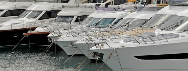 texture yacht