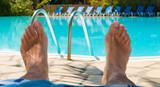 Relax à la piscine poster