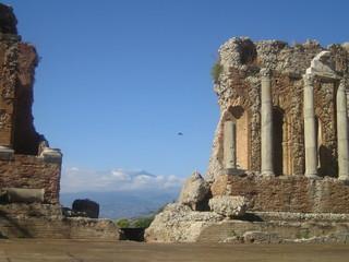 Das antike Theater mit Blick auf den Ätna