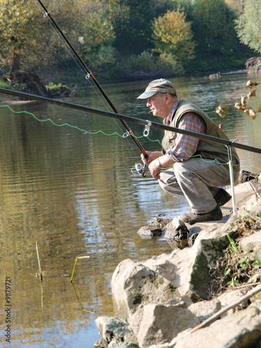 Angler in der Hocke