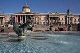 Une fontaine de Trafalgar Square poster