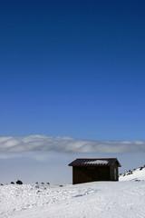 casetta in cima all'etna