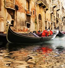 Traditional Venice gandola tour