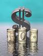 Umkippendes Dollarsymbol und Dollarscheine halb überflutet