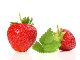 Erdbeeren mit Grün