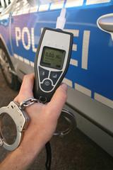 Alcotester mit Polizei