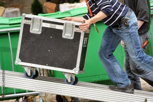 Transport de caisse roulante