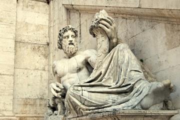 Statua del Palazzo Senatorio in piazza del Campidoglio