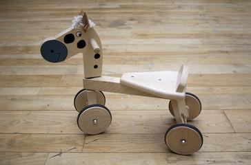 cavalluccio in legno